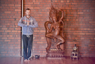 qigong workshop with Tino Faithfull at Beehive Healthcare, Chester